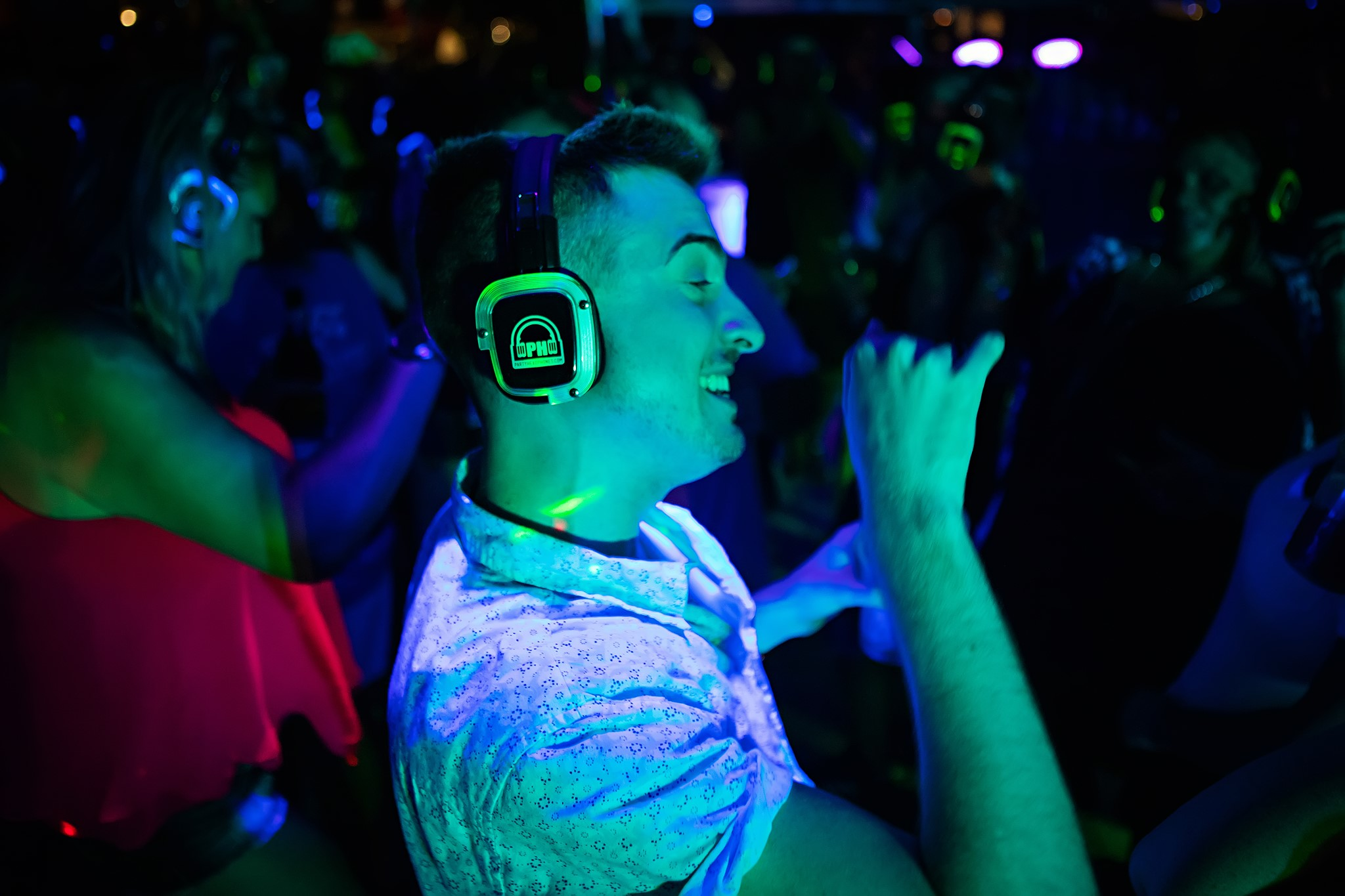 Home | Midnight Music DJ & Entertainment | Tampa bay Silent